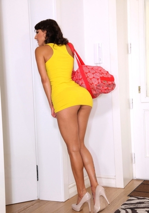 Pretty insane love in a yellow dress with red handbag banged in a rented apartment